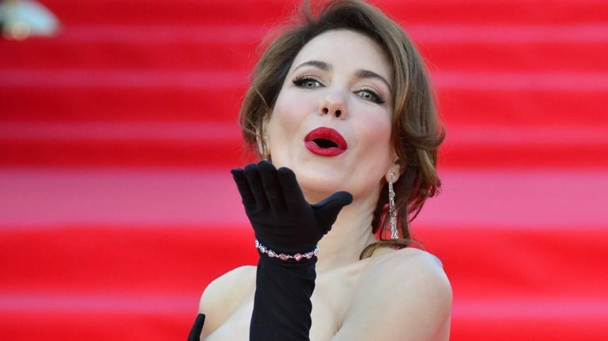 Какой косметикой пользуются российские звезды?