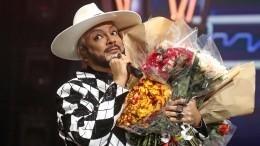 «Выдля меня— семья»: Киркоров вкругу звездных друзей отпраздновал 54-летие