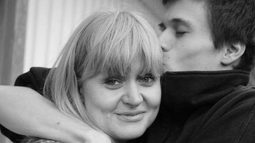 Слухи оболезни ипадение изокна модели: каким стал старший сын Анны Михалковой
