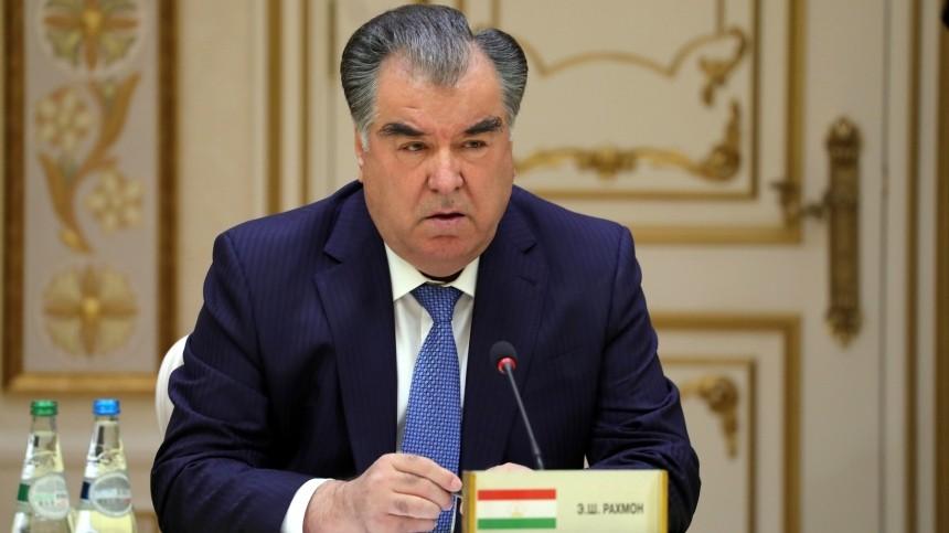 Президент Таджикистана Рахмон посетит Парад Победы вМоскве