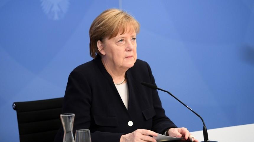 «Немного высплюсь»: Меркель поделилась планами нажизнь после отставки