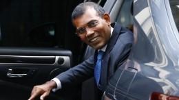 Видео: экс-президента Мальдив госпитализировали после взрыва встолице страны