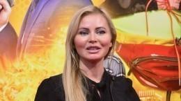«Небо вклеточку, друзья вполосочку»: Дана Борисова помогла задержать банду в«Пулково»