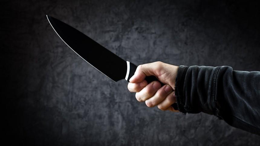 «Обознался»: ударивший ножом школьницу петербуржец объяснил свой поступок