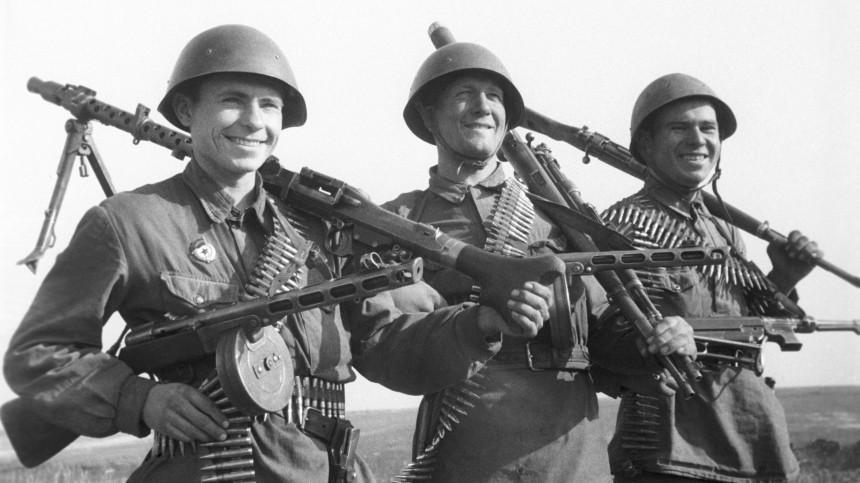 «Сражение между РФиСША?»— американцы «блеснули» знаниями оВторой мировой войне