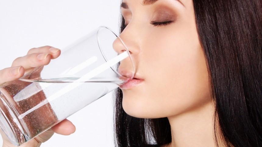 Чем опасно употребление слишком большого количества воды? —отвечает врач