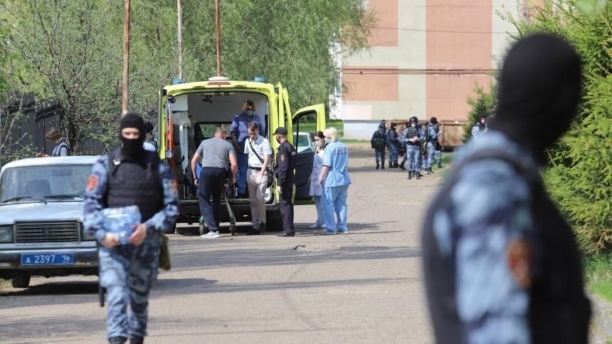 «Сказали молчать иподпереть двери»: школьник описал жуткую стрельбу вКазани