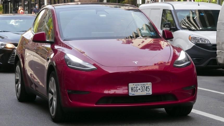 Tesla отказалась отпродажи электромобилей забиткоины