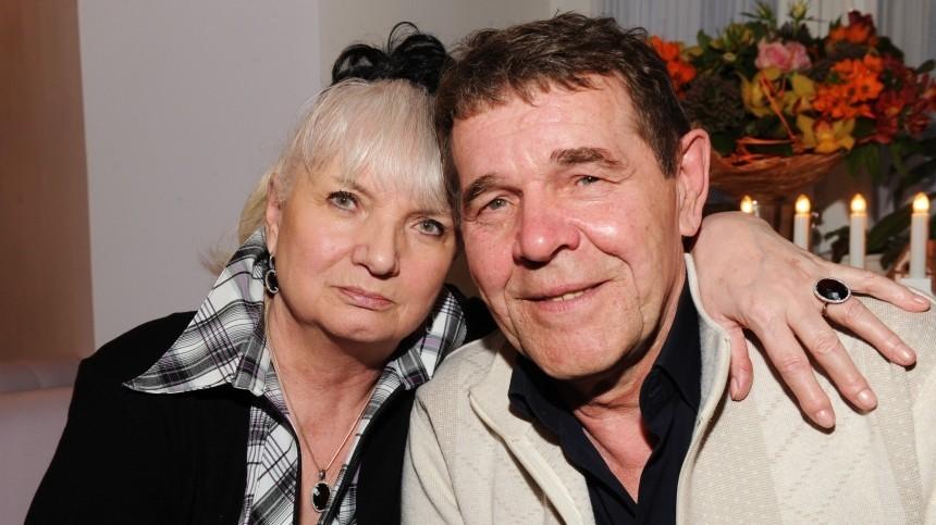 «Взял меня стого света»: вдова Булдакова оботношениях с«двойником Баскова»