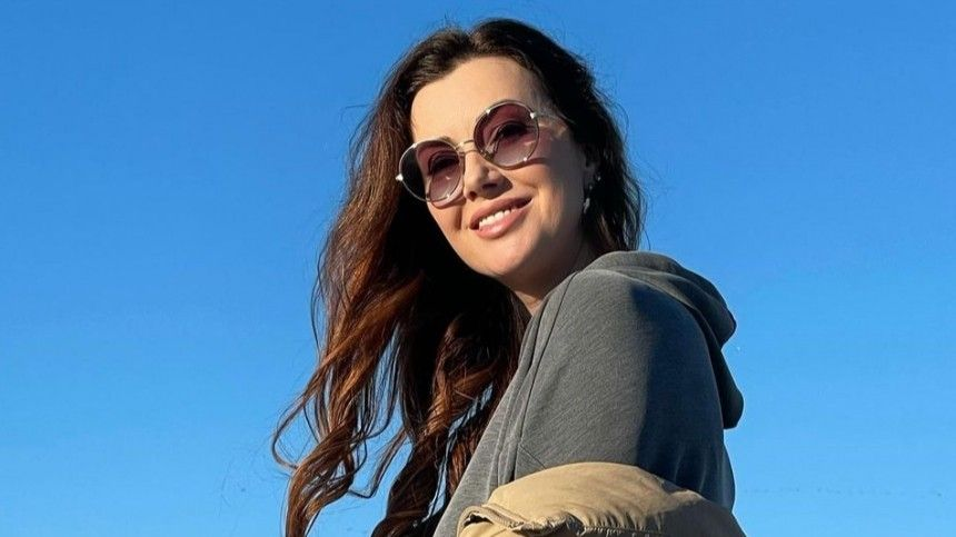 «Нехватает только надомик уморя»: Сколько тратит изарабатывает Маша Вебер