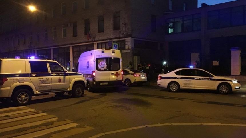 Видео: петербуржец влетел взабор входе погони сострельбой из-за зажигалки