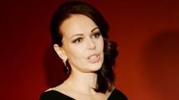 «Очень грязно инеприлично»: Безрукова рассказала, как еедомогался режиссер