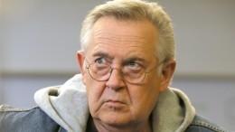 «Довели человека!»— заплаканный Юрий Стоянов нашел утешение умолодой актрисы