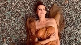 Зачем Любовь Толкалина публикует откровенные фото?