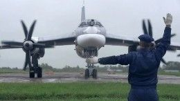 Российские Ту-95МС взяли под контроль корабли Британии иФранции вЧерном море