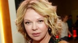 Уже выпускница: Елена Валюшкина показала редкое фото дочки отАлександра Яцко