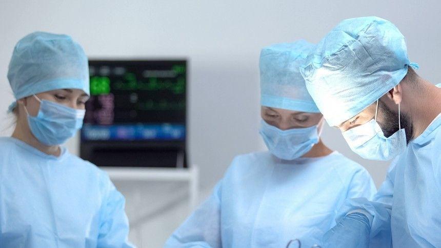 Двухлетний мальчик чуть неумер после обрезания вчастной клинике Петербурга