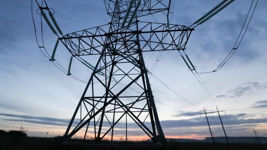 Одна изниток энергомоста вКрым впервые получила повреждение