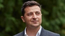 Ошибка или сигнал SOS: почему Зеленский перепутал вышиванку скосовороткой?