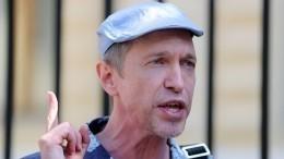 «Колоссальная провокация»: Соседов остычке Долиной иВали Карнавал уГалкина