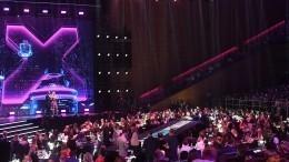 Больше света иметалла: ТОП-7 самых ярких нарядов накрасной дорожке премии RU.TV