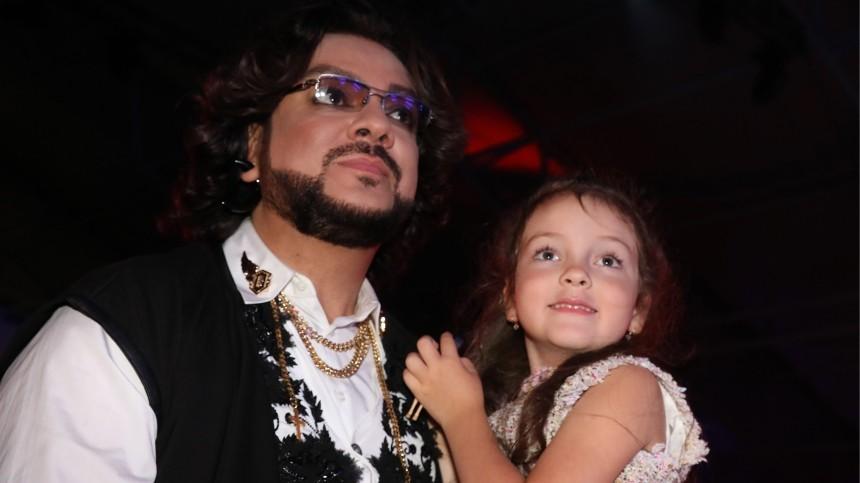 «Так нельзя!»— почему Киркоров запретил дочке танцевать всоставе «Тодеса»?