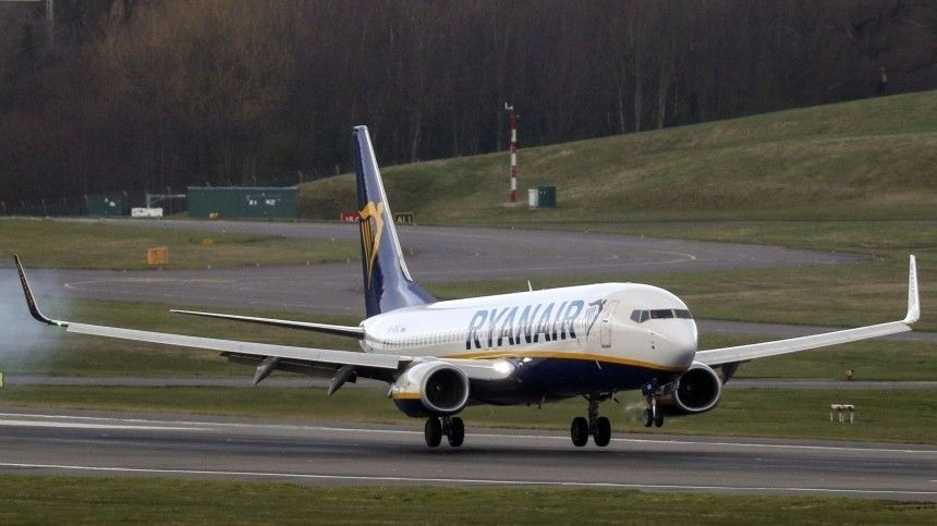 Летевший изАфин вВильнюс самолет экстренно сел из-за сообщения оминировании