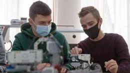 «Нужно ненапрягаться»: школьники опобеде наАзиатской олимпиаде пофизике
