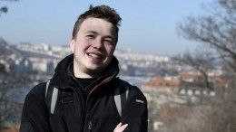 Задержанный вМинске оппозиционный блогер Протасевич дает признательные показания