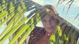 «Чтобы вернуться вновь»: Волочкова собственноручно посадила деревце наМальдивах