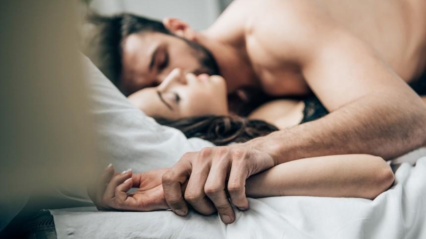 Страшные риски: почему нельзя заниматься сексом вполнолуние?