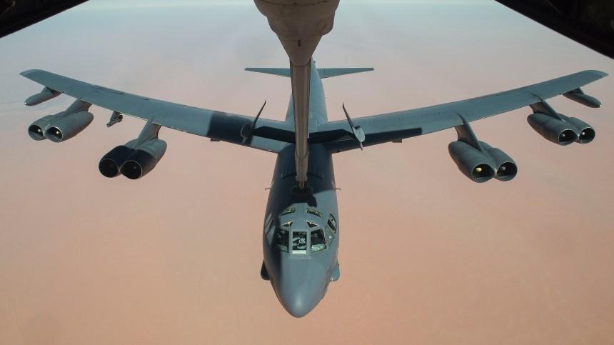 Бомбардировщик ВВС США вовремя полета над Балтикой нес настоящие авиабомбы
