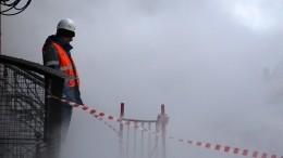 ВПетербурге внебо ударил мощный коммунальный «гейзер»— видео