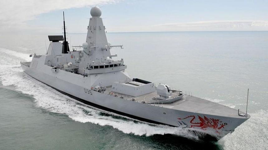 Шел внаглую: как пограничники выдворяли эсминец Британии изводРФ?