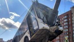 Подробности осостоянии пострадавших вДТП савтобусом наюго-западе Петербурга