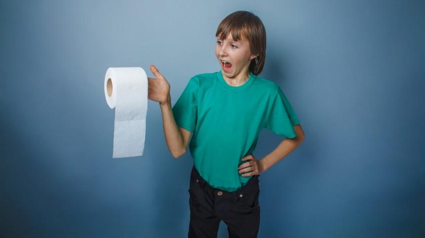 Несливать: конкурс насамый жуткий школьный туалет проходит вРоссии