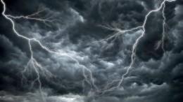Погодный апокалипсис: сильнейший ураган обрушился наАлтай