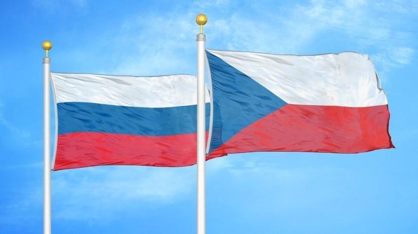 Спецборт вывез первую группу российских дипломатов изПраги вМоскву