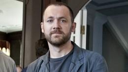 «Тяжело доотчаяния»: актер Денис Шведов обиспытаниях «Последнего героя»