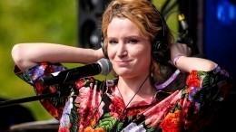 «Зачем себя насиловать»: Монеточка отом, почему ничего недоводит доконца