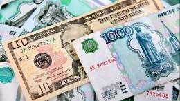 «Думаем аккуратненько»: Путин наПМЭФ неисключил ухода отрасчетов вдолларах