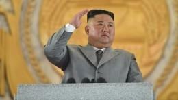 Исчезнувший: Ким Чен Ынвпервые замесяц появился напублике