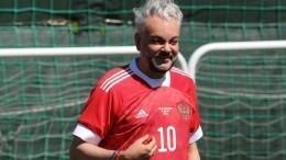 «Король футбола икороль эстрады»: Филипп Киркоров пробил пенальти Артему Дзюбе