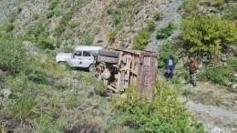 Ехали вкузове молиться: стали известны подробности опрокидывания грузовика вТыве