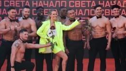 «Его величество Я»: Собчак назвала себя лидером вбитве костюмов напремии Муз-ТВ