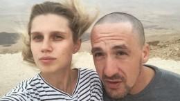 Звезда «Папиных дочек» Мельникова развелась соСмольяниновым
