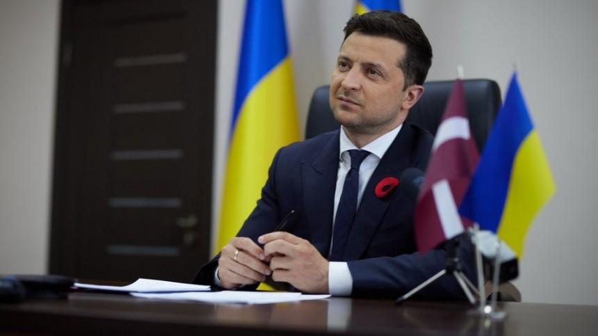 Зеленский заявил ожелании увидеться сБайденом перед саммитом Россия— США