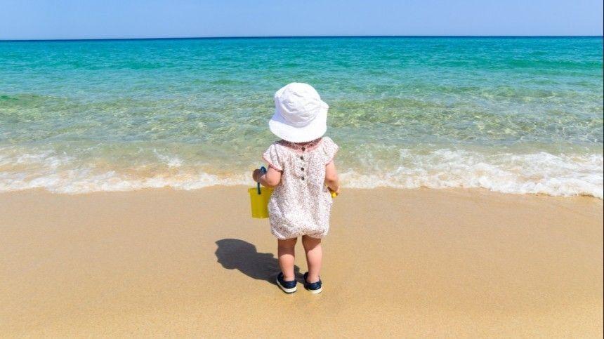 Скакого возраста можно купать ребенка вморе— отвечает Комаровский