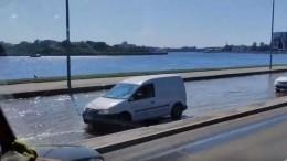 «Бегите, глупцы!»— Прорыв воды вПетербурге вызвал панику на«Яндекс. Картах»