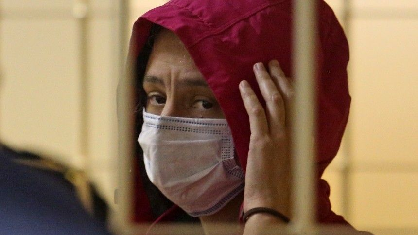 «Будет ночевать дома»: Семья адвоката вдовы расчлененного Картрайта оформила опеку над еесыном— видео